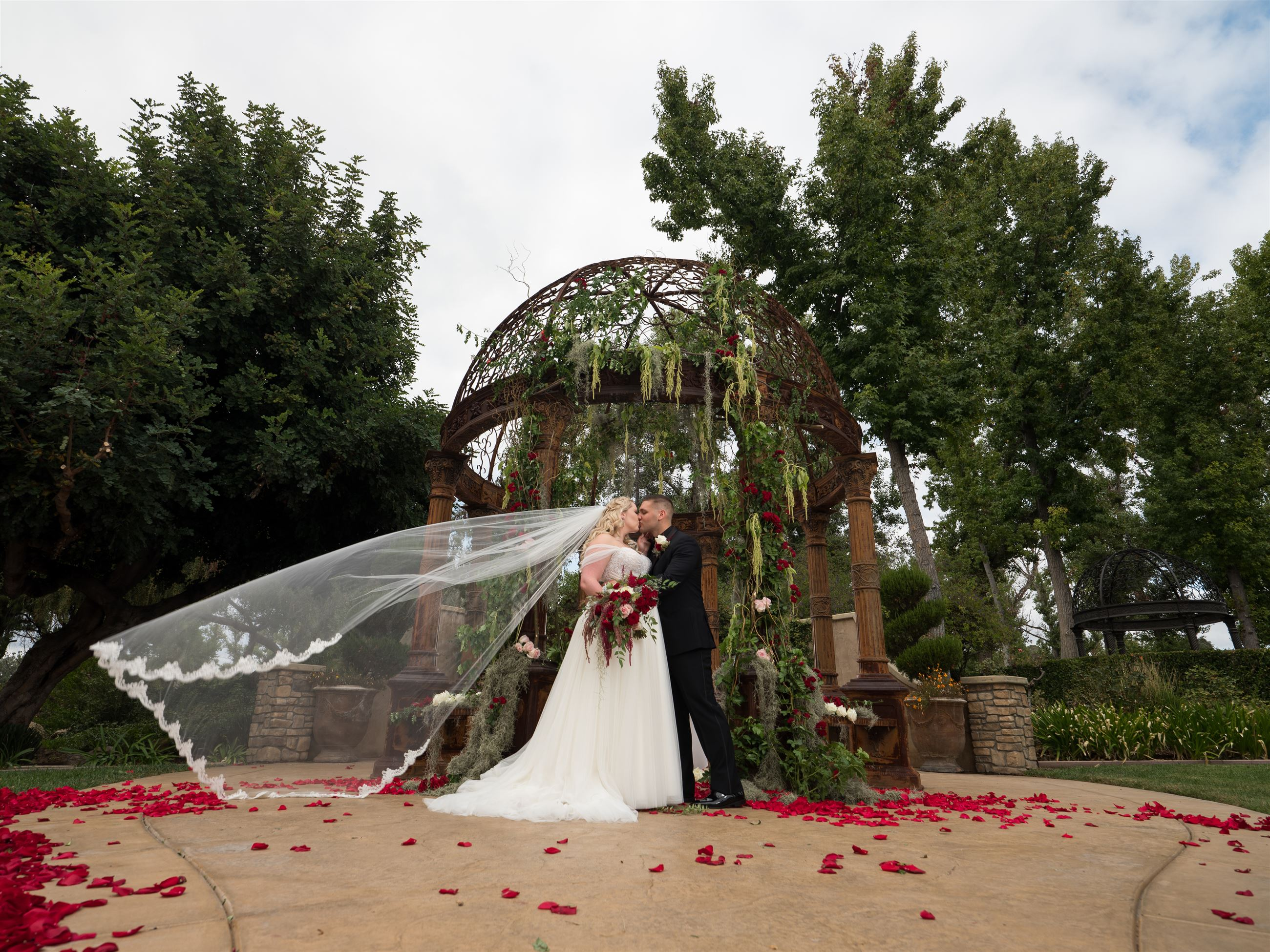 Lili Bride: Romance In The Garden Image
